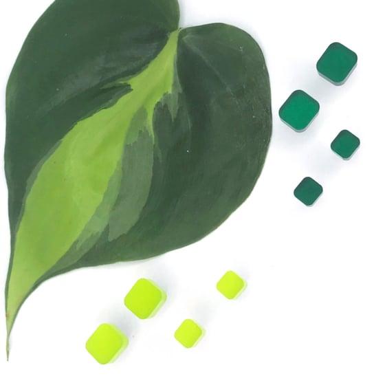 Image of Náušnice Round sque smaragdová a limetková zelená