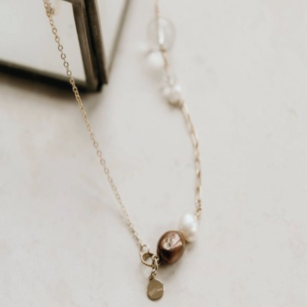 Image of Playfull Necklace Burgundy