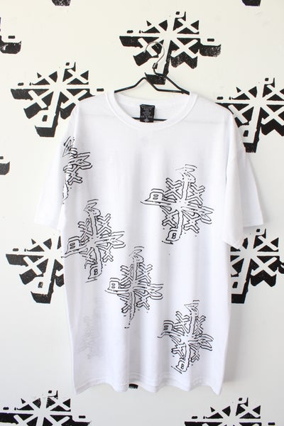 Image of the right channel tee in white