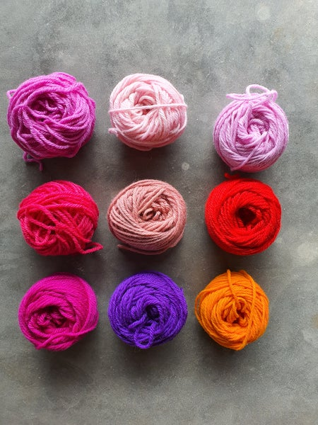 Image of 'The pinks' wool pack