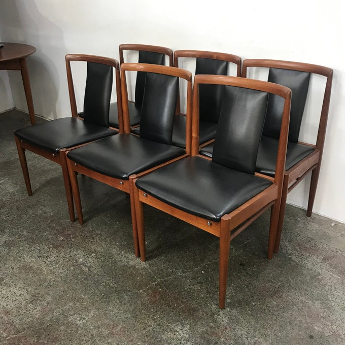 "Image of SET OF PAKER ""T-BACK"" CHAIRS"