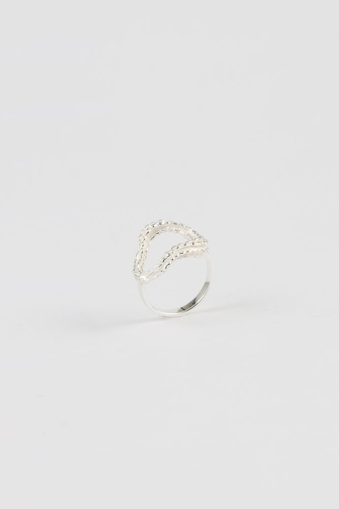 Image of magnifica ring