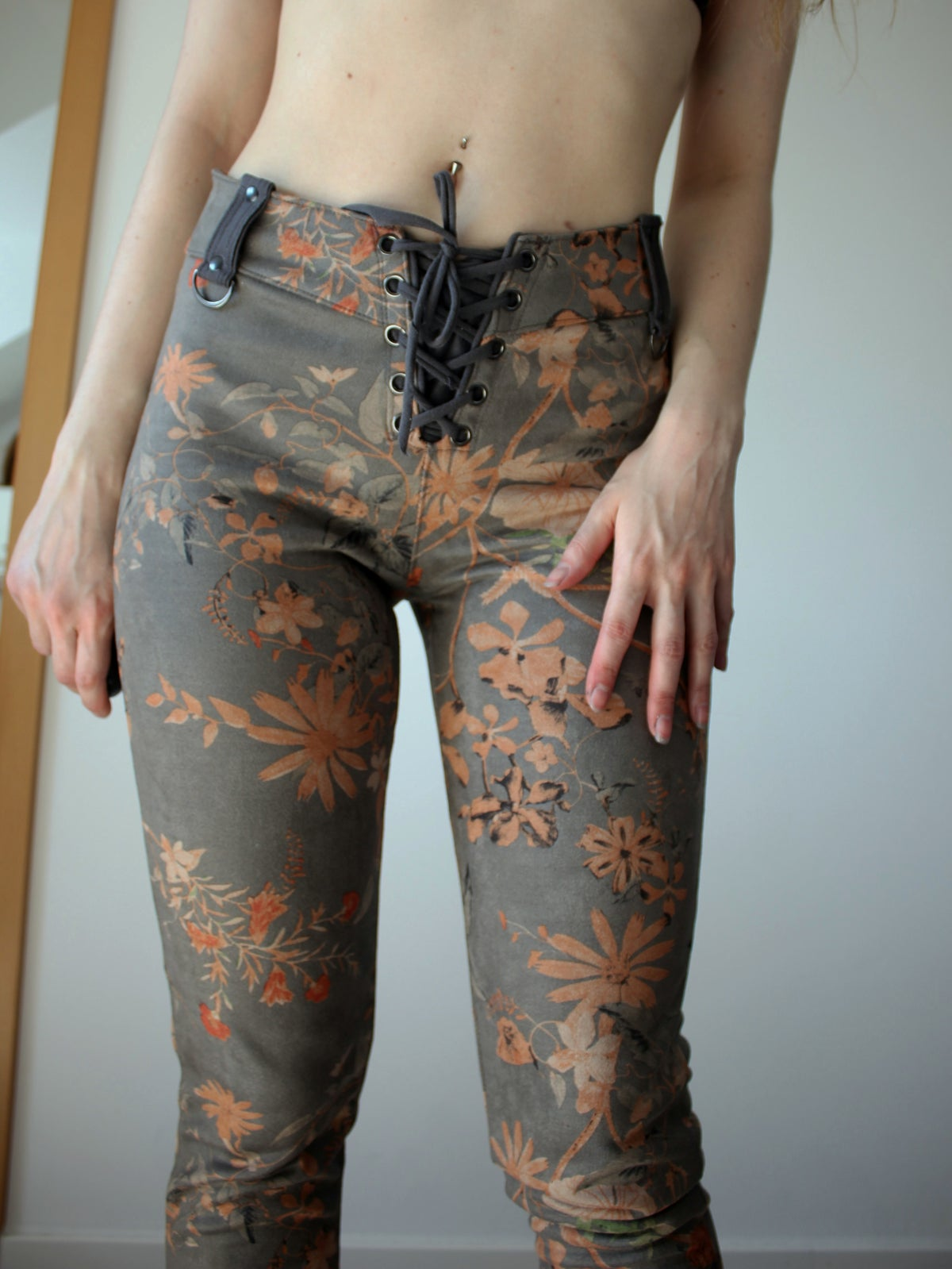Image of GREY MAGNOLIA PANTS