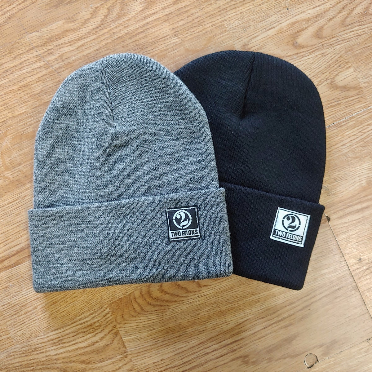 Two Felons tight knit Beanie (Blk)