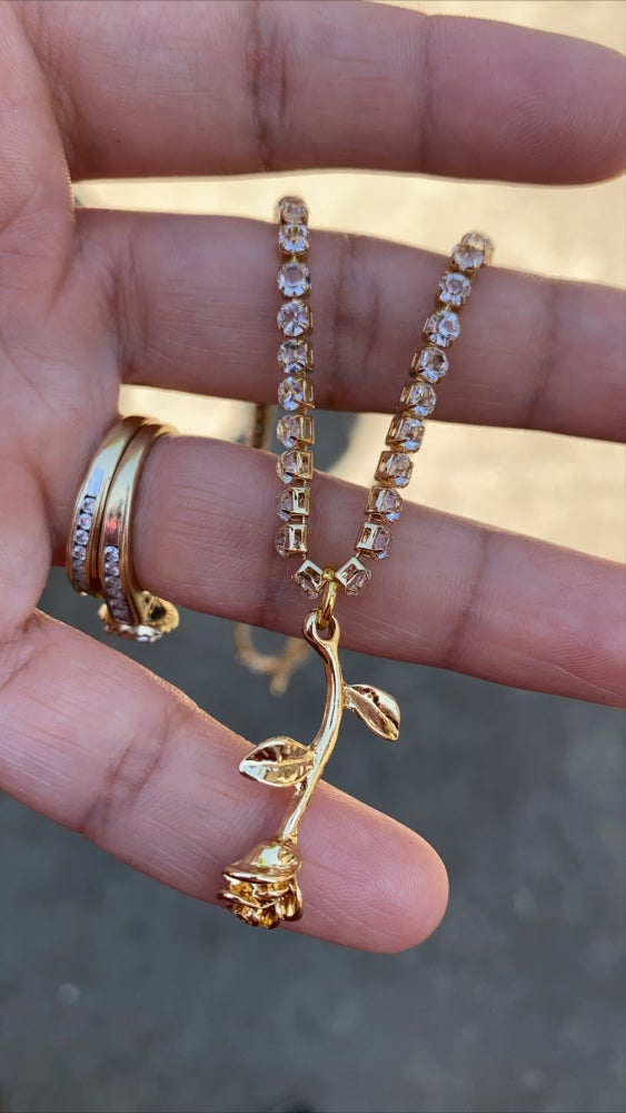 Image of ROSE GOLD PLATED CRYSTAL NECKLACE