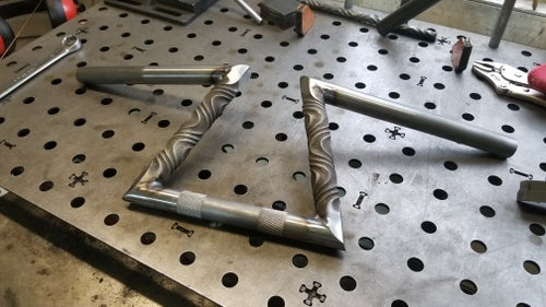 Image of Twisted Z Bars