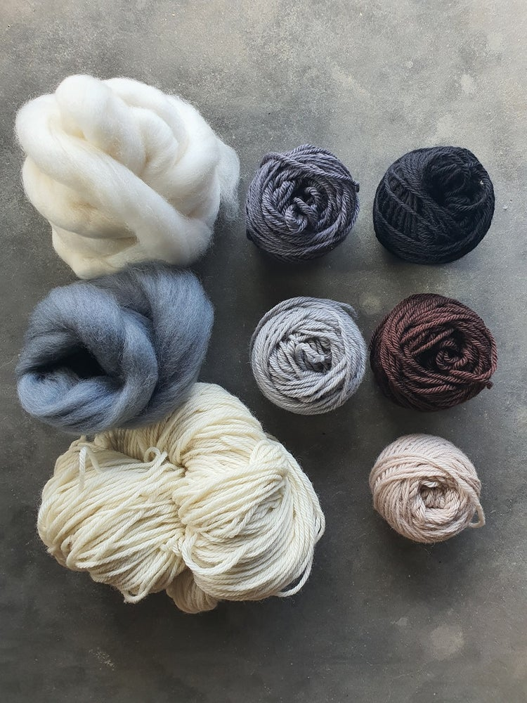 Image of Neutral wool pack