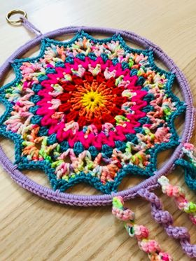 Image of Flower Dream Catcher Crochet Pattern, plus Mini Dream Catcher Pattern.