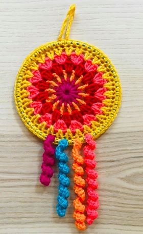 Flower Dream Catcher Crochet Pattern, plus Mini Dream Catcher Pattern.