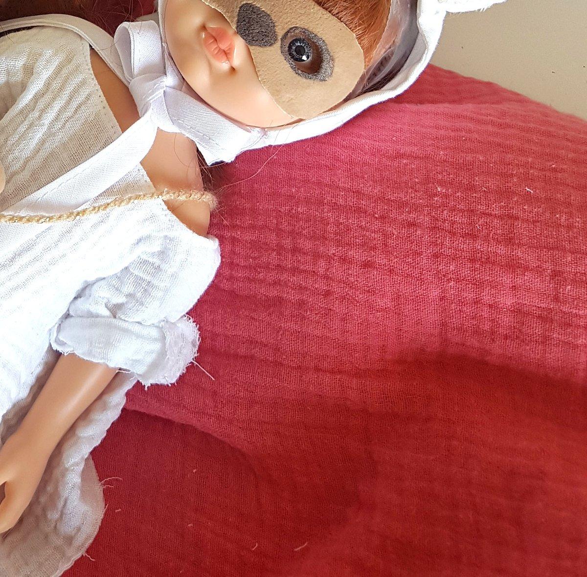 Image of Poupée Eva avec sa robe -COLLECTION Lapin de Pâques-édition limitée