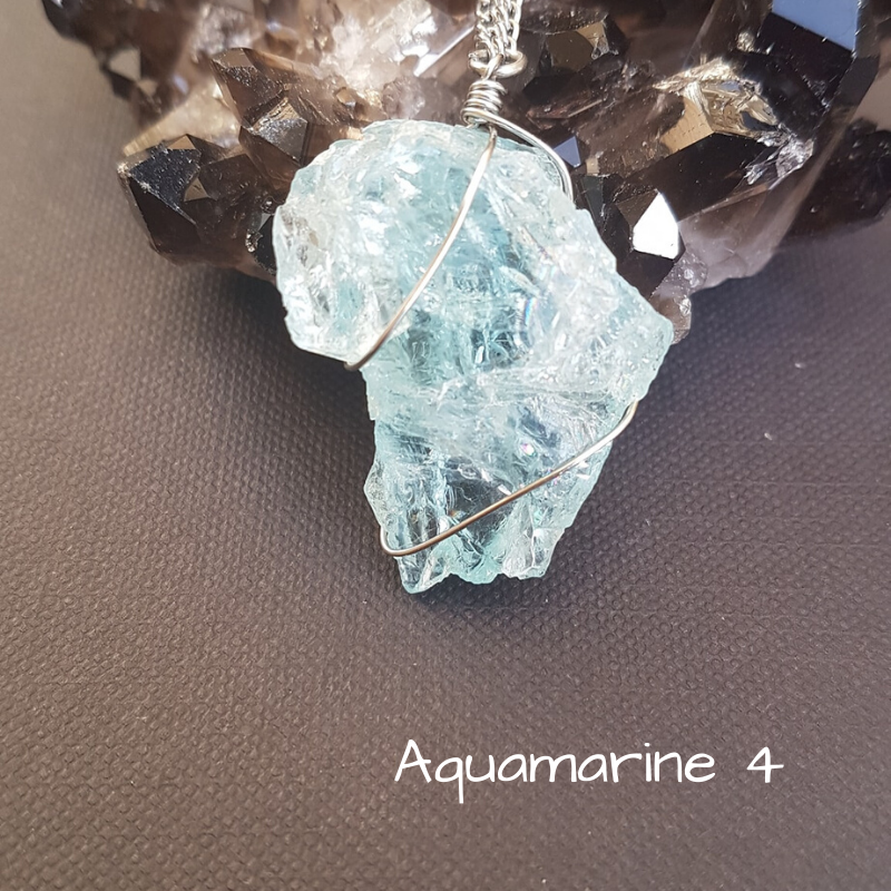 Image of Aquamarine Wire-Wrapped Necklace