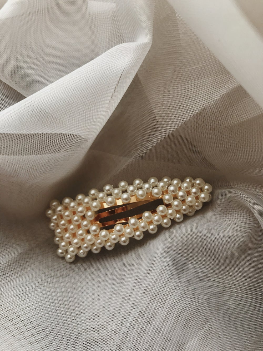 Image of Pearl Clips