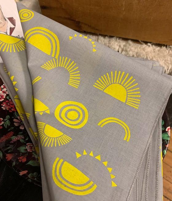 Image of Sun Print Bandana in Gray and Yellow