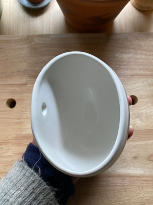 Image of Medium Wall Pocket - F