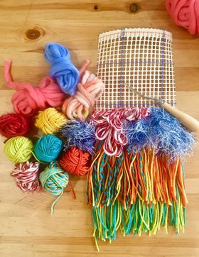 Image of Colourful Latch Hook Weaving Kit