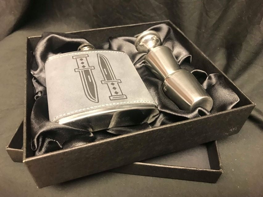 Image of Daggers hip flask