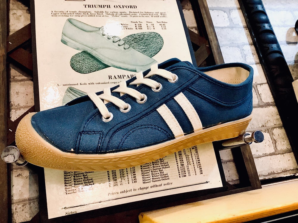 Image of Inn-stant Navy gum sole canvas lo Sneaker shoes made in slovakia