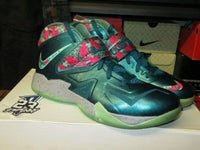 "LeBron Soldier VII (7) ""Power Couple"" - SIZE11ONLY - BY 23PENNY"