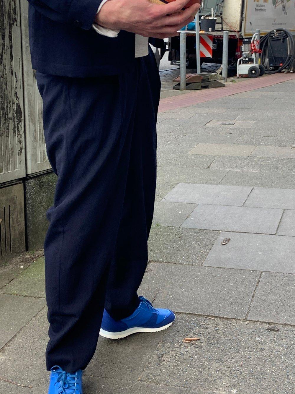 DELIKATESSEN trousers Navy