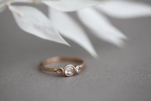 Image of 18ct rose gold rose-cut diamond trilogy ring IOW146