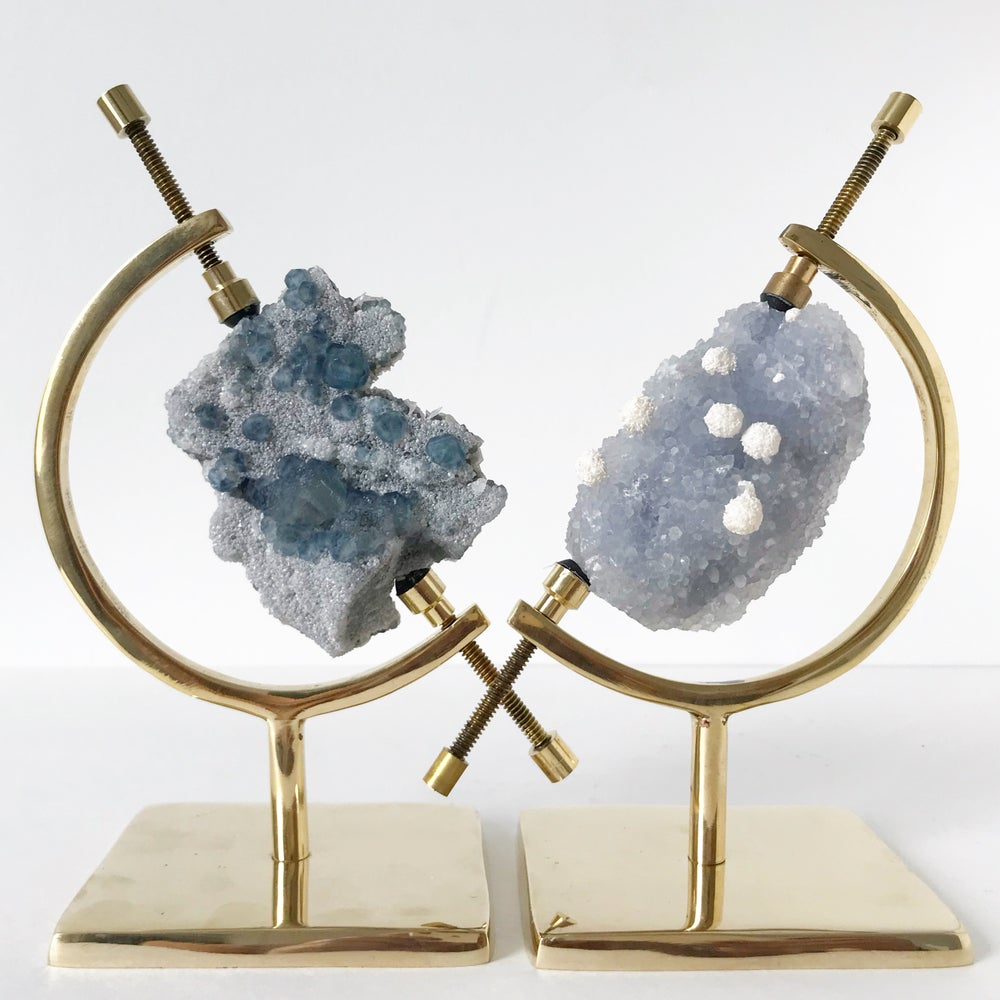Image of Quartz/Mordenite no.01 + Brass Arc Stand