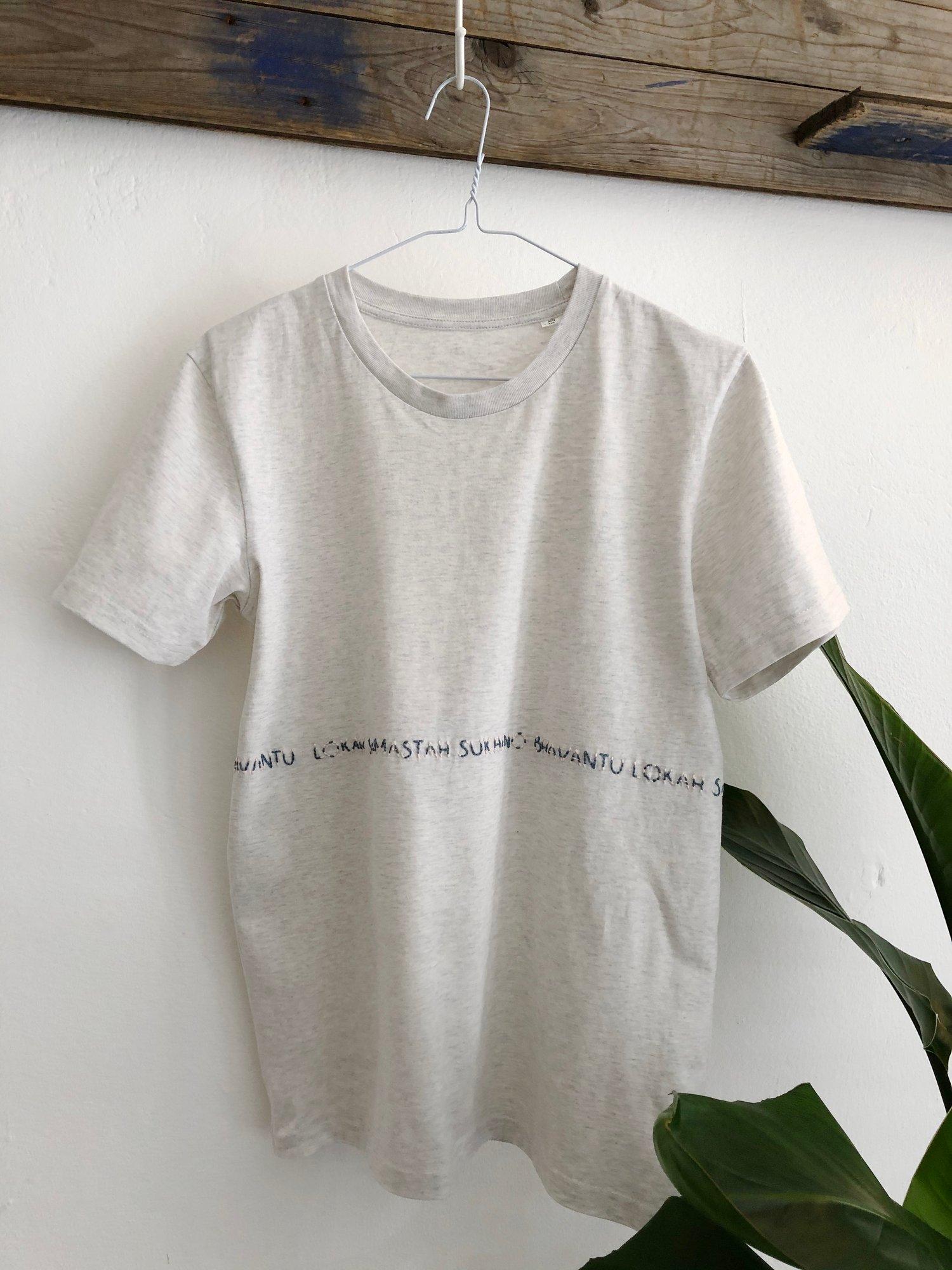 Image of LOKAH SAMASTAH SUKHINO BHAVANTU – wrapped – petrol/rose – heather gray unisex t-shirt