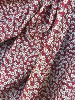Image of Liberty fabric -Ffion rød