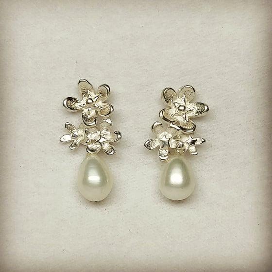 Beeld van Forget-me-not pearl studs