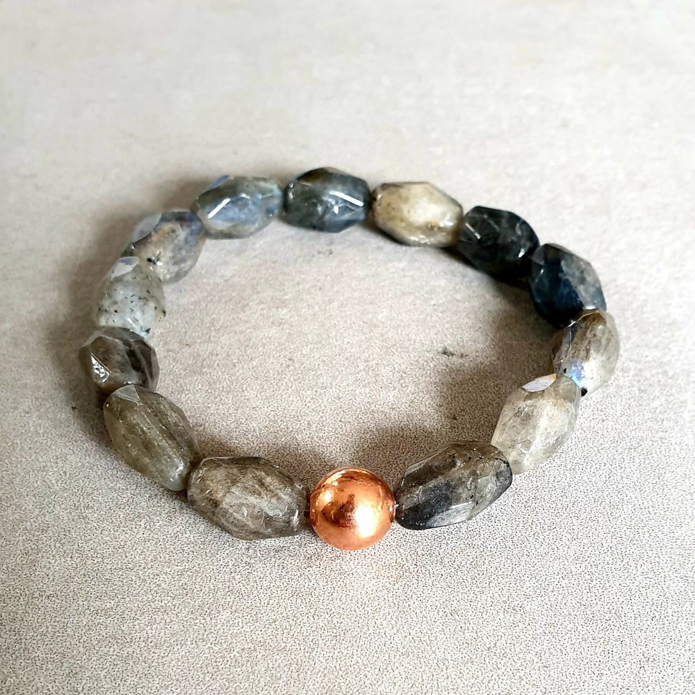 Image of LABRADORITE & COPPER BRACELET - Faceted Nuggets