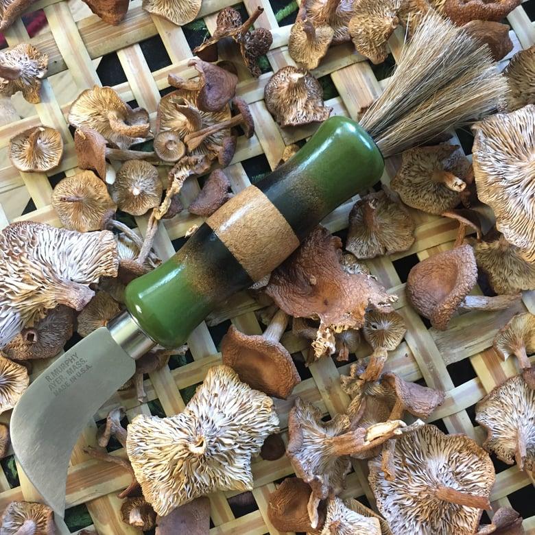 Image of Duluth Trader Mushroom Knife