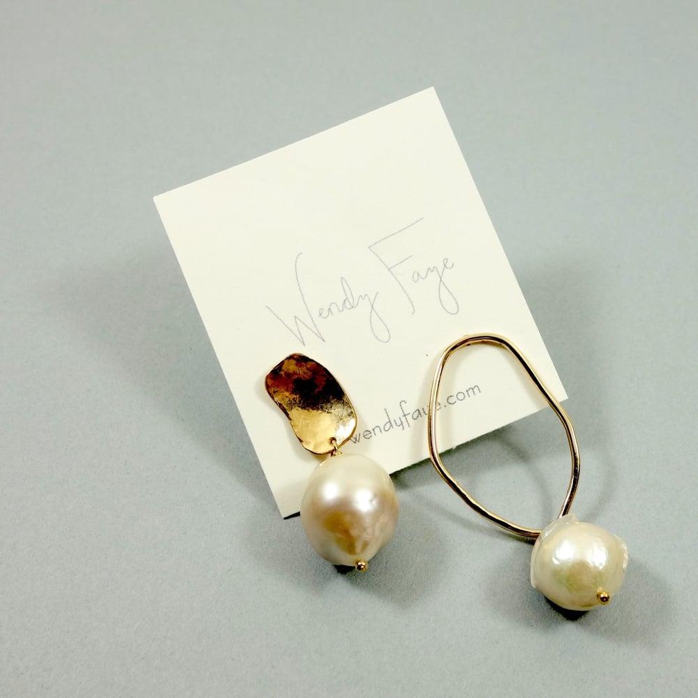 Image of Panama Asymmetric Earring Set