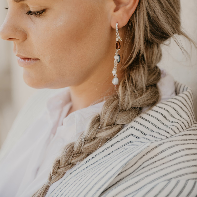 Image of Diana Pearl Earrings Blue