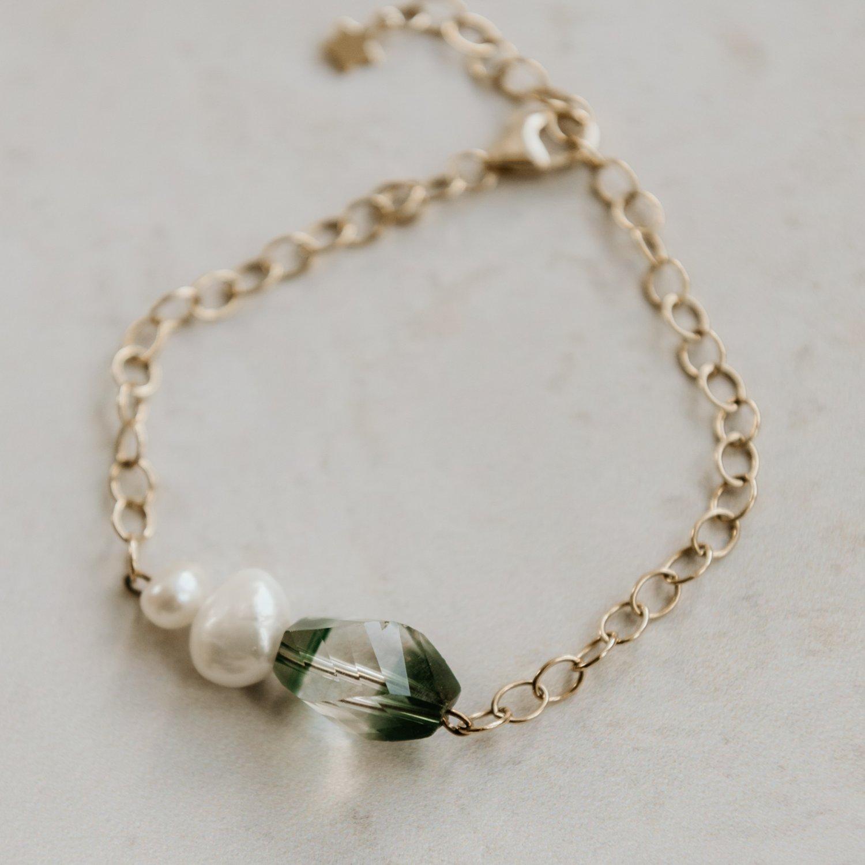 Image of Playfull Bracelet Topaz
