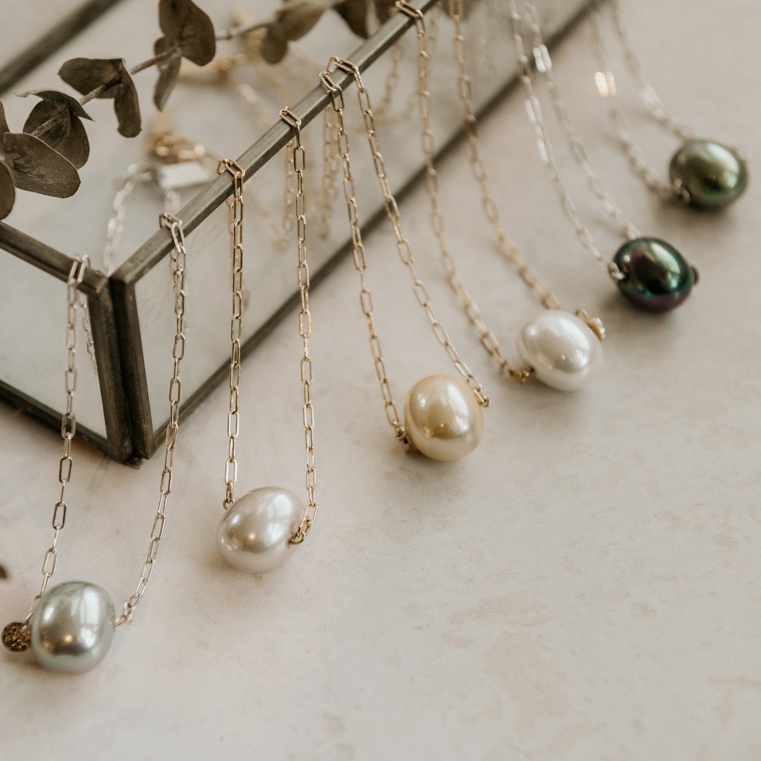 Image of Kamille Egg & Pearls Necklace