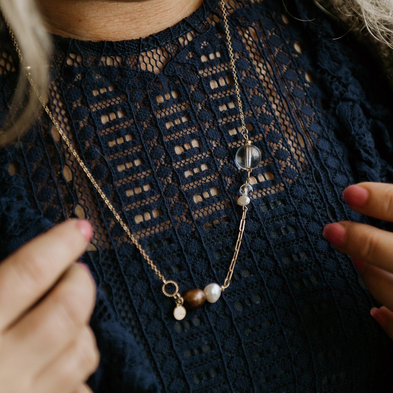 Image of Playfull Necklace Burgundy