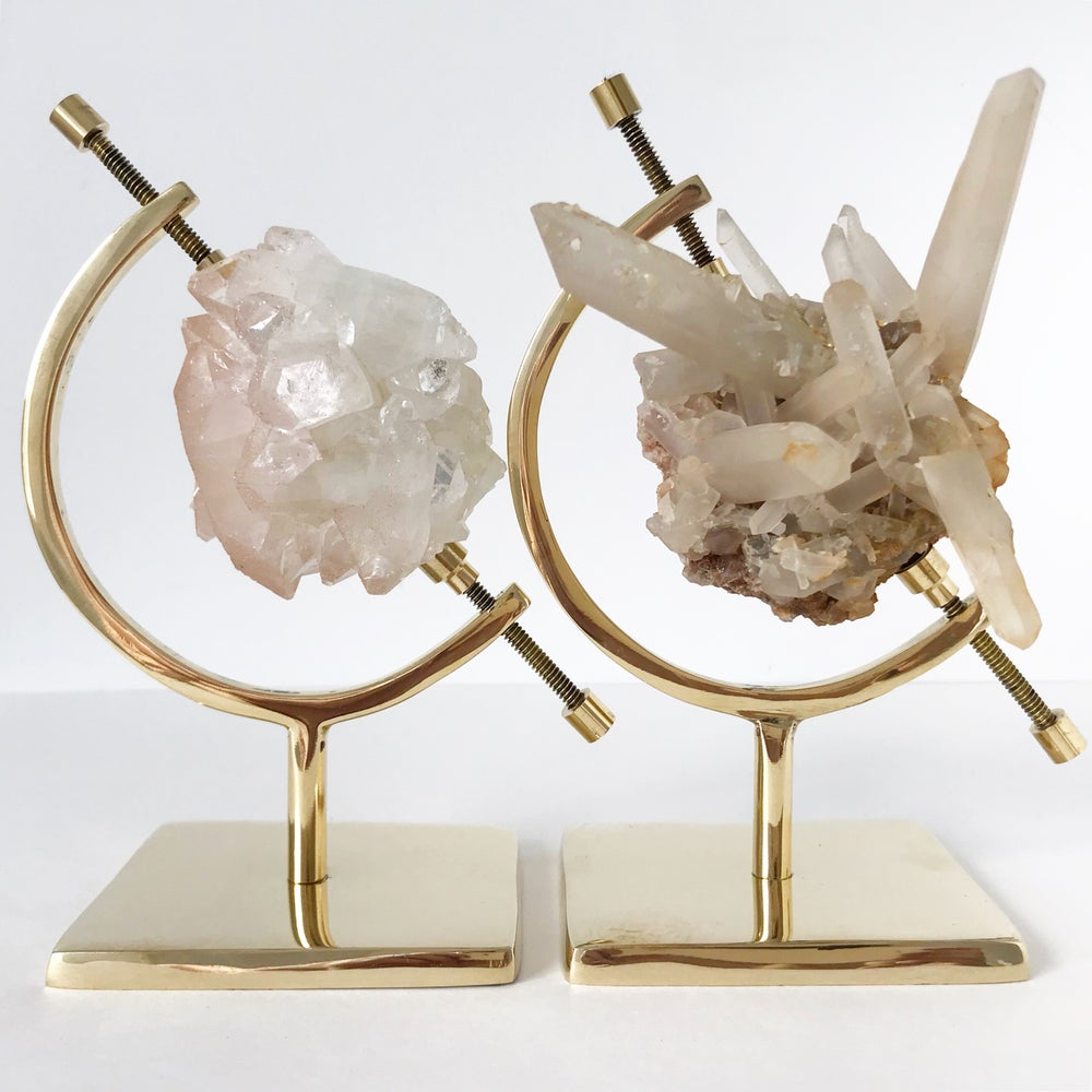 Image of Quartz no.05 + Brass Arc Stand
