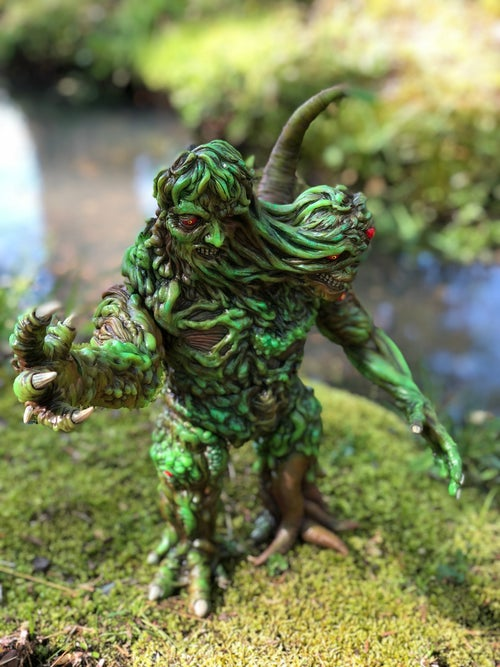 Image of Swamp Thing Creepy Giant