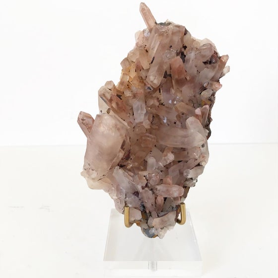 Image of Pink Quartz no.02 + Lucite and Brass Stand