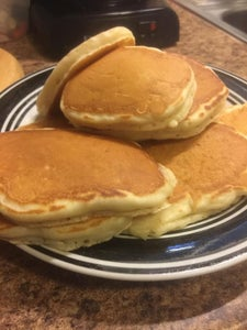Image of Auntie Mabel's Famous Fluffy Pancakes