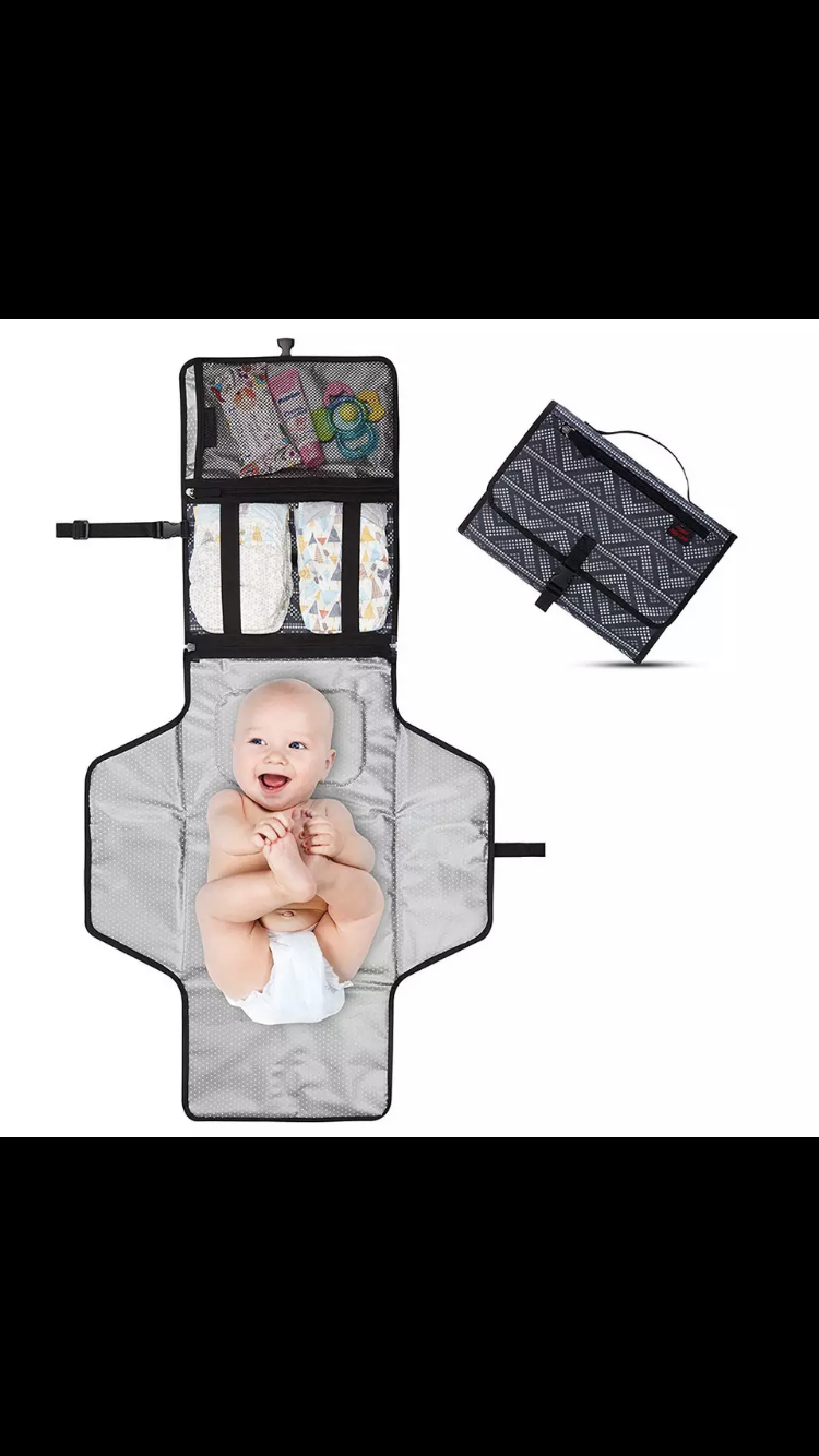 Changing mat with storage