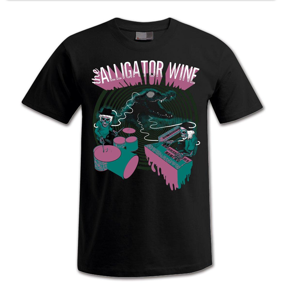 "Image of T-Shirt ""Crocodile Inn"""