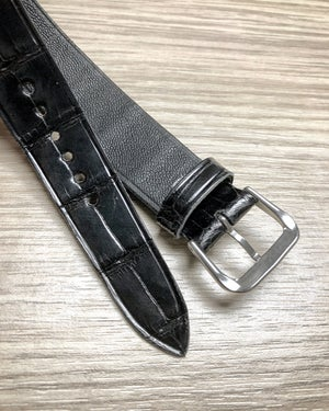 Image of Glazed black alligator double tapered one-piece watch strap