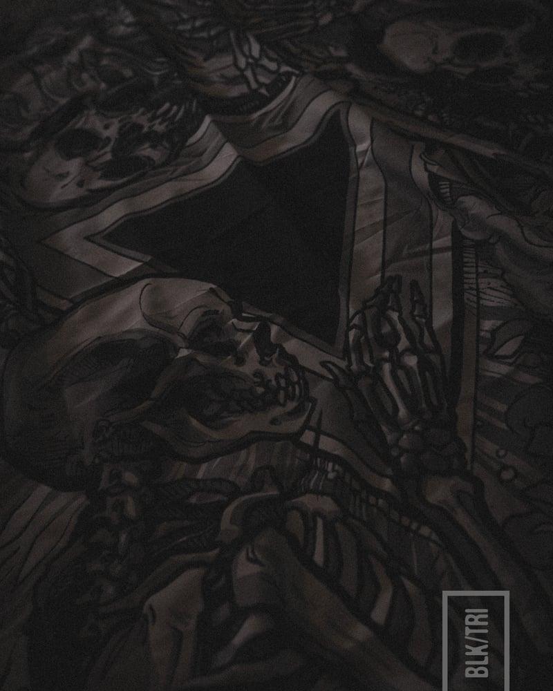 Image of BLKTRI TAPESTRY
