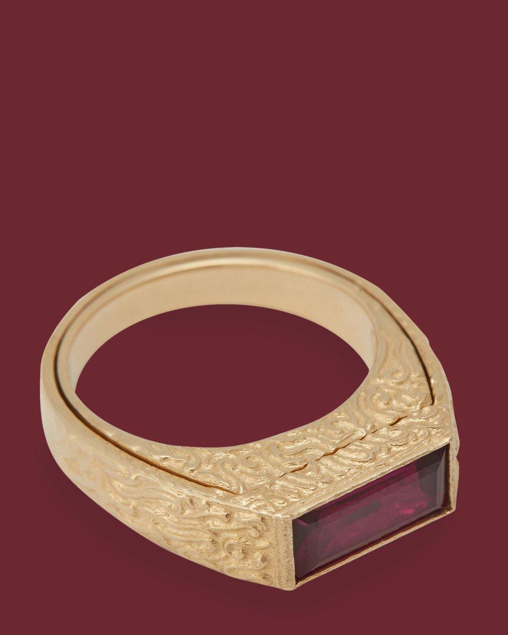 Image of PURPLE RHODOLITE CHAMBER RING