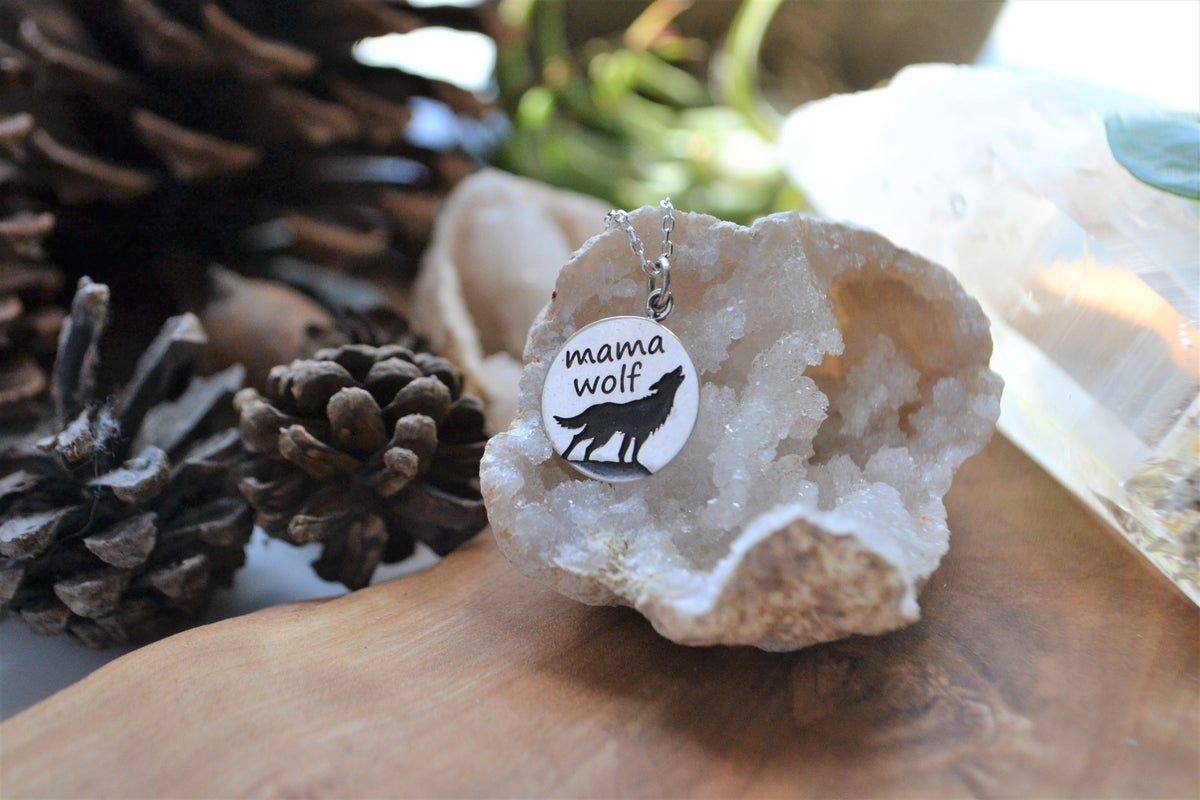 Image of Mama wolf necklace