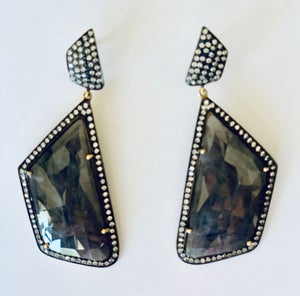 Image of Sapphire earring