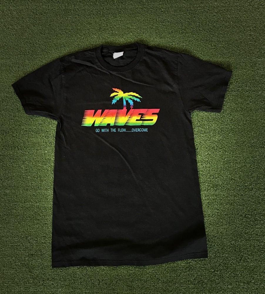 Image of Tiki Waves Metallic Rainbow Logo Graphic T-Shirt(Black)