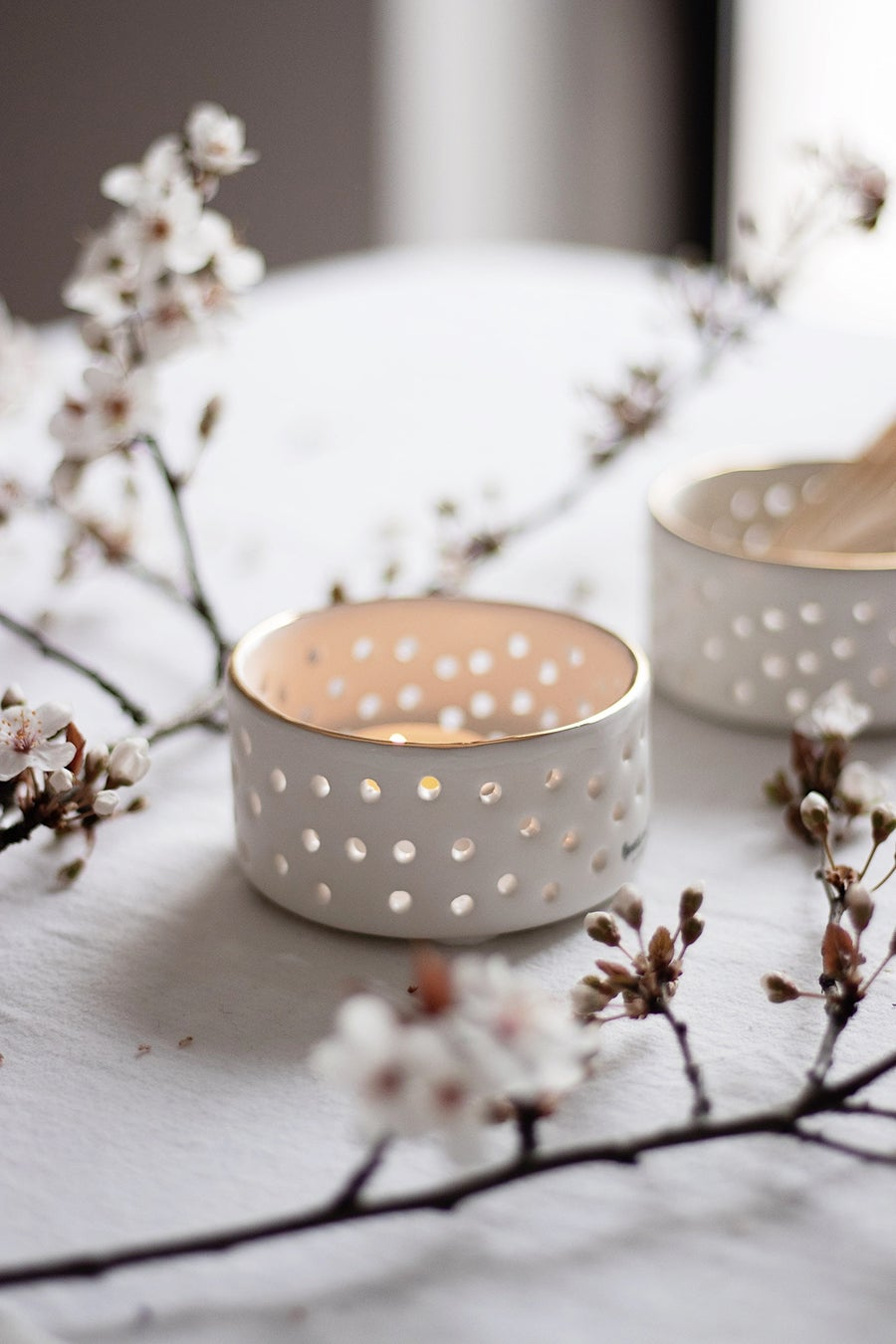Image of White Tealight with Gold Rim