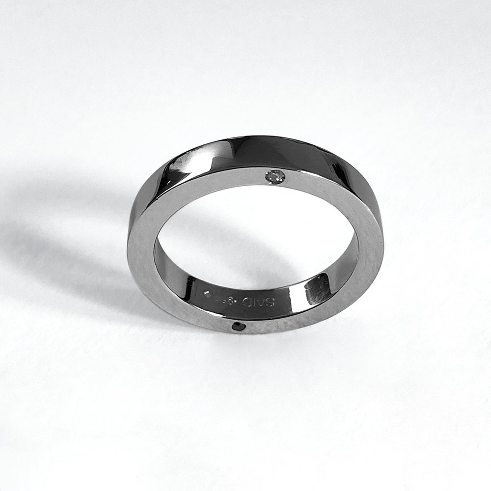 Image of SOLID INFINITY RING — PLATINUM