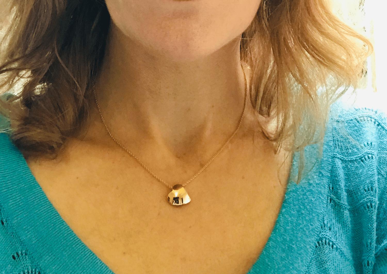 Image of necklace 'Je te donne mon cœur' gold - halsjuweel 'hart onder de riem' / hanger